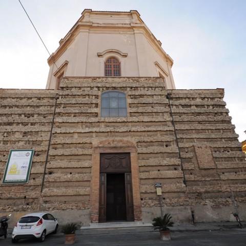Chiesa Santa Caterina. Facciata. Foto Marco Filippelli
