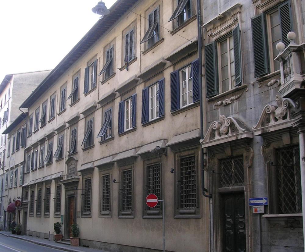 palazzo_monte_pieta_livorno